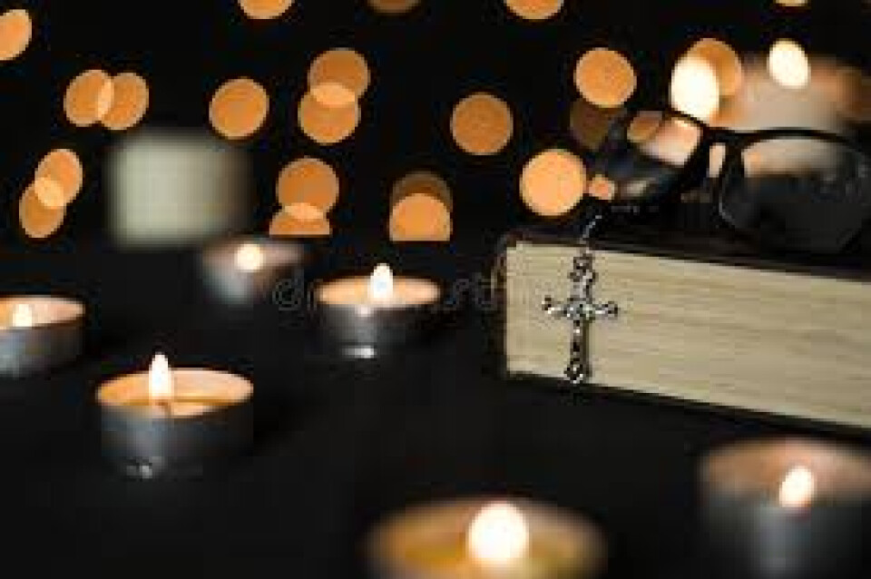 7 p.m. Candlelight Rosary